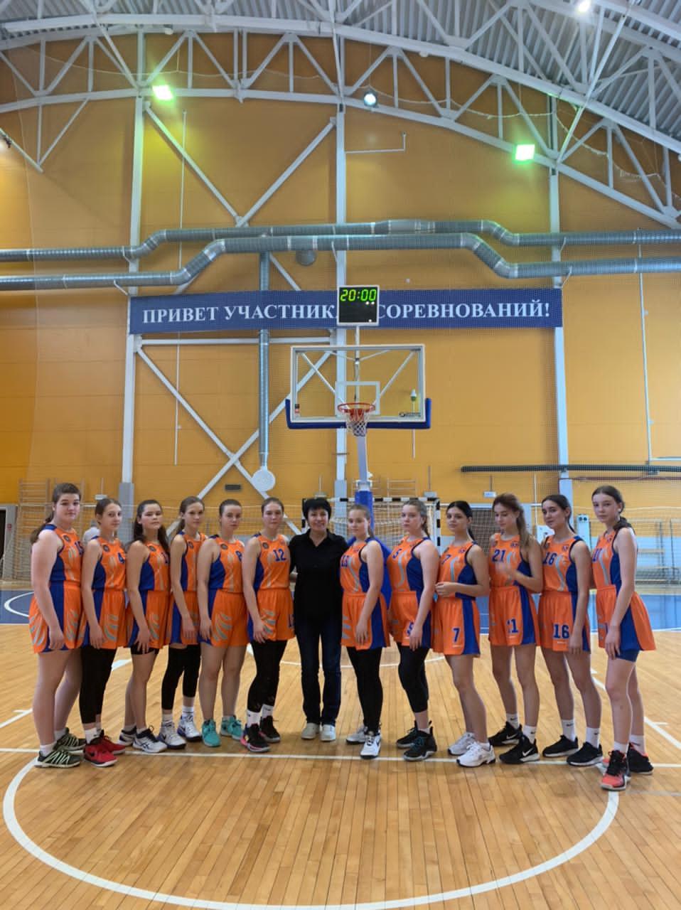 Сборная команда города Сургут - серебряные призеры первенства ХМАО-Югры по баскетболу среди девушек до 16 лет