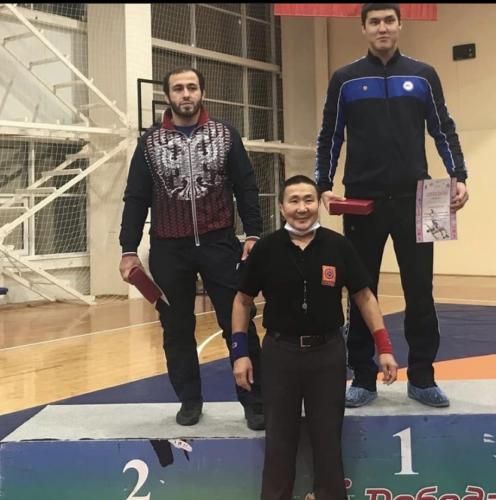 Фатахов Магомед (слева) 2 место