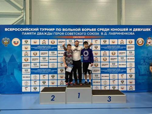 тренер в центре Усуфджанов К.Б. и призеры Масимов и Таймасханов